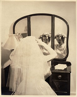 Johnelle Hunt on her wedding day © Pryor Center for Arkansas Oral and Visual History, University of Arkansas