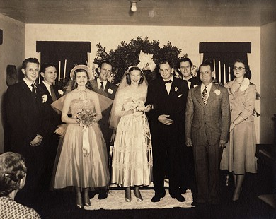 J. B. and Johnelle Hunt with members of their wedding party © Pryor Center for Arkansas Oral and Visual History, University of Arkansas