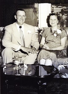 Johnie J. and Ollie Jane DeBusk, parents of Johnelle Hunt, 1953 © Pryor Center for Arkansas Oral and Visual History, University of Arkansas