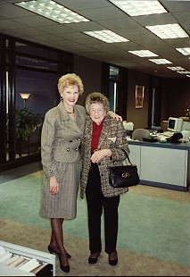 Johnelle Hunt with her mother, Ollie Jane DeBusk © Pryor Center for Arkansas Oral and Visual History, University of Arkansas