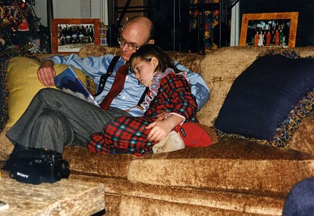 Walter E. Hussman Jr. with his daughter © Pryor Center for Arkansas Oral and Visual History, University of Arkansas