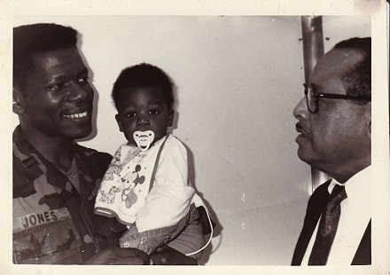 Capt. Bobby Jones with his son, Bradley © Pryor Center for Arkansas Oral and Visual History, University of Arkansas