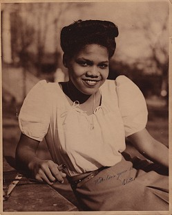 Edith Irby Jones at Knoxville College © Pryor Center for Arkansas Oral and Visual History, University of Arkansas