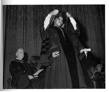 Edith Irby Jones at her graduation from the University of Arkansas School of Medicine, 1952 © Pryor Center for Arkansas Oral and Visual History, University of Arkansas
