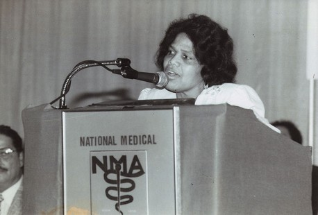 Edith Irby Jones giving an acceptance speech when she was inducted as president of the National Medical Association, 1985 © Pryor Center for Arkansas Oral and Visual History, University of Arkansas