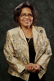 Silas Hunt Legacy Award portrait of Edith Irby Jones, 2006  © Pryor Center for Arkansas Oral and Visual History, University of Arkansas