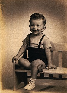 Jerry Jones as a young boy © Pryor Center for Arkansas Oral and Visual History, University of Arkansas