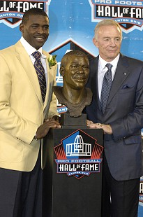 "Jerry Jones with former Dallas Cowboys' wide receiver, ""Playmaker"" Michael Irvin, at the Pro Football Hall of Fame enshrinement ceremony; Canton, Ohio, August 2007 © Pryor Center for Arkansas Oral and Visual History, University of Arkansas"
