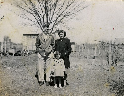 Bob Lamb, age 14, with his mother, Jessie Lamb, and sister, Shirley Lamb © Pryor Center for Arkansas Oral and Visual History, University of Arkansas