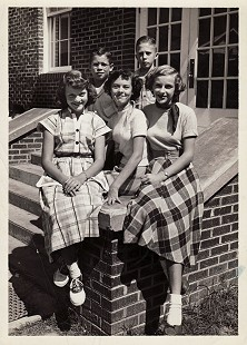 1952-53 eighth-grade class officers: Thomas Bryant, president; David Lambert, vice president (back row on right); Betty Simmons; Francis Rogers; Ginger Gardner; Holly Grove, Arkansas © Pryor Center for Arkansas Oral and Visual History, University of Arkansas