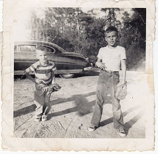 Bill Lancaster and his brother, Bob, ca. 1954 © Pryor Center for Arkansas Oral and Visual History, University of Arkansas