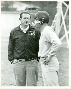 Jim Lindsey with Coach Frank Broyles © Pryor Center for Arkansas Oral and Visual History, University of Arkansas