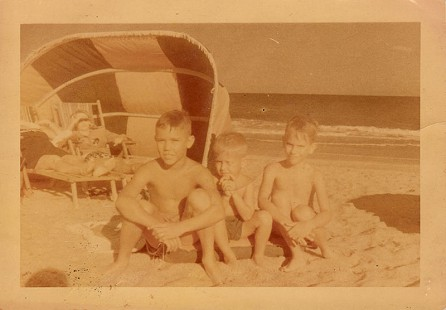 Mike, Jodie, and Emon A. Mahony Jr., on the beach, ca. 1949 © Pryor Center for Arkansas Oral and Visual History, University of Arkansas