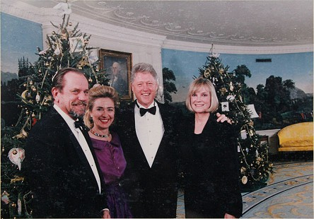 From left: Emon A. Mahony Jr., Hillary Clinton, President Bill Clinton, and Kay Mahony at the White House © Pryor Center for Arkansas Oral and Visual History, University of Arkansas