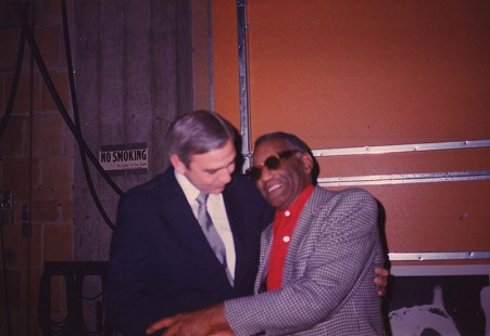 Jerry Maulden backstage with Ray Charles © Pryor Center for Arkansas Oral and Visual History, University of Arkansas