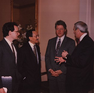 Bill Clinton and Jerry Maulden (far right) with United Nations ambassadors © Pryor Center for Arkansas Oral and Visual History, University of Arkansas