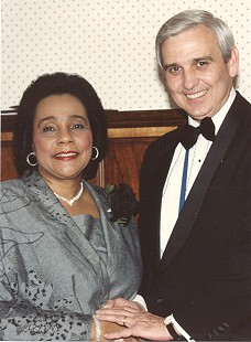 Jerry Maulden with Coretta Scott King © Pryor Center for Arkansas Oral and Visual History, University of Arkansas