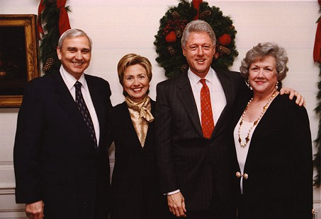 Jerry Maulden, Hillary Clinton, Bill Clinton, and Sue Maulden at the White House during the Christmas season © Pryor Center for Arkansas Oral and Visual History, University of Arkansas