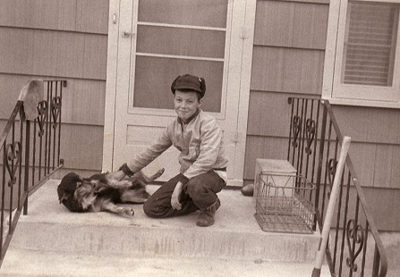 Young Tommy May with his dog © Pryor Center for Arkansas Oral and Visual History, University of Arkansas