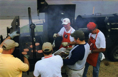 Tommy May grilling for New Orleans evacuees © Pryor Center for Arkansas Oral and Visual History, University of Arkansas