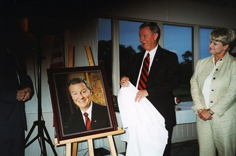 Tommy May unveiling his portrait at the El Dorado Boys and Girls Club © Pryor Center for Arkansas Oral and Visual History, University of Arkansas