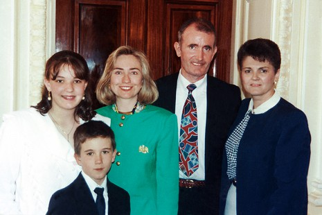 John McDonnell with his family and Hillary Clinton: (l-r), Heather, Sean, Clinton, John, and Ellen; White House, Washington, DC, 1993 © Pryor Center for Arkansas Oral and Visual History, University of Arkansas