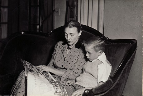 Hayden McIlroy reading with his mother, Corin Kays McIlroy  © Pryor Center for Arkansas Oral and Visual History, University of Arkansas