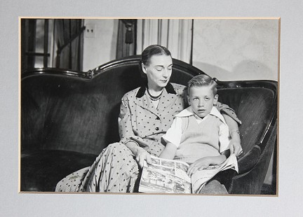 Hayden McIlroy with his mother, Corin Kays McIlroy © Pryor Center for Arkansas Oral and Visual History, University of Arkansas
