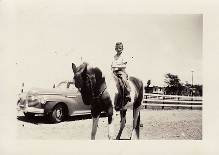 Hayden McIlroy on horseback, age 7 © Pryor Center for Arkansas Oral and Visual History, University of Arkansas