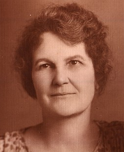 Alice Couch Monroe, mother of Archie Monroe, 1923 © Pryor Center for Arkansas Oral and Visual History, University of Arkansas
