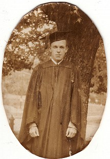 Graduation portrait of Archie Monroe from the University of Arkansas, 1931 © Pryor Center for Arkansas Oral and Visual History, University of Arkansas