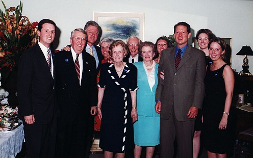 Archie Monroe and his family with Bill Clinton and Al Gore at his son Ark Monroe's home in Little Rock, 1999 © Pryor Center for Arkansas Oral and Visual History, University of Arkansas