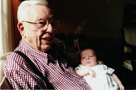 Archie Monroe and his great-grandson, Thomas Prebe, 2006 © Pryor Center for Arkansas Oral and Visual History, University of Arkansas