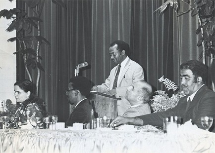 Gordon Morgan at the podium as guest speaker at a banquet © Pryor Center for Arkansas Oral and Visual History, University of Arkansas