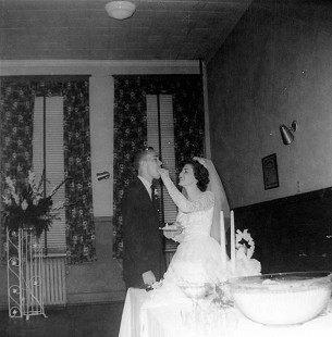 Dale and Patsy Nicholson on their wedding day, 1960 © Pryor Center for Arkansas Oral and Visual History, University of Arkansas