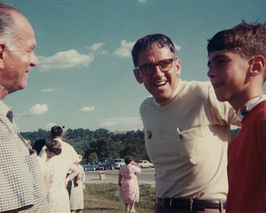 Peggy Parks's husband, Donald (center), and their son, David, with Senator J. William Fulbright at a Fulbright campaign event, August 1968 © Pryor Center for Arkansas Oral and Visual History, University of Arkansas