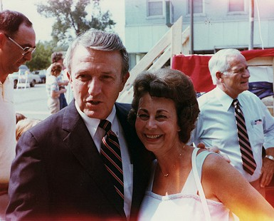 Peggy Murphy Parks and Senator Dale Bumpers © Pryor Center for Arkansas Oral and Visual History, University of Arkansas