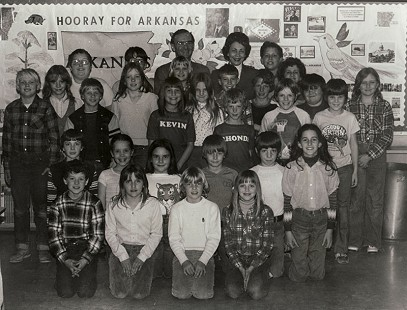 Peggy Murphy Parks and Arkansas senator Morriss Henry with her fourth-grade students at Prairie Grove Elementary School; Prairie Grove, Arkansas © Pryor Center for Arkansas Oral and Visual History, University of Arkansas