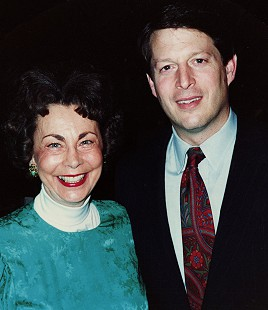Peggy Murphy Parks with Senator Al Gore © Pryor Center for Arkansas Oral and Visual History, University of Arkansas