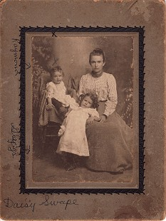 Daisy Swope, grandmother of Sonny Payne (right) with her son, Raymond (left), and daughter, Gladys (center), mother of Sonny Payne  © Pryor Center for Arkansas Oral and Visual History, University of Arkansas