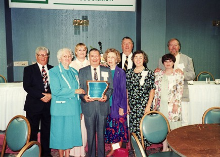 Sonny Payne with his wife, Josephine, receiving the Arkansas Broadcasters Association Award in 1993 © Pryor Center for Arkansas Oral and Visual History, University of Arkansas