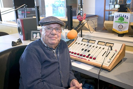 Sonny Payne at the control board in the KFFA studio © Pryor Center for Arkansas Oral and Visual History, University of Arkansas