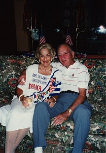 Doyle and Raye Rogers, Fourth of July in Destin, Florida © Pryor Center for Arkansas Oral and Visual History, University of Arkansas