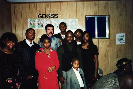 Back row, left to right:  Whitney Wyatt, Darron Shelby, Charles Shelby Sr., and Charles Shelby Jr.; front row, left to right:  LaPearl Shelby, Drako Clark, Beatrice Clark Shelby, Holly Willis Johnson, and Aaron Shelby © Pryor Center for Arkansas Oral and Visual History, University of Arkansas