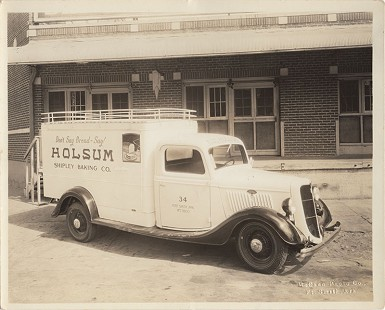 Shipley Baking Co. truck with the Holsum bread advertising slogan on the side, ca. 1930s © Pryor Center for Arkansas Oral and Visual History, University of Arkansas