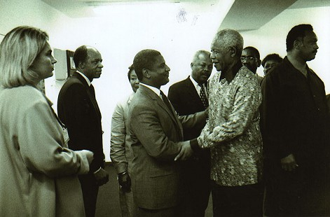 Rodney Slater greeting Nelson Mandela; Rev. Jesse Jackson is to the right of Mandela © Pryor Center for Arkansas Oral and Visual History, University of Arkansas