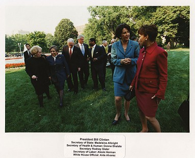 Rodney Slater with President Bill Clinton, Madeleine Albright, Donna Shalala, Alexis Herman, Aida Alvarez © Pryor Center for Arkansas Oral and Visual History, University of Arkansas