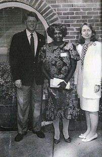 Carolyn Williams with Governor Bill Clinton and Hillary Clinton © Pryor Center for Arkansas Oral and Visual History, University of Arkansas