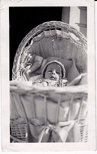 Vic Snyder at 4 months of age © Pryor Center for Arkansas Oral and Visual History, University of Arkansas