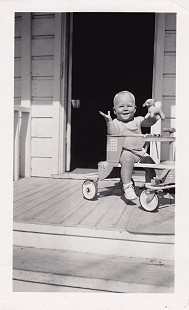 Vic Snyder as a baby © Pryor Center for Arkansas Oral and Visual History, University of Arkansas